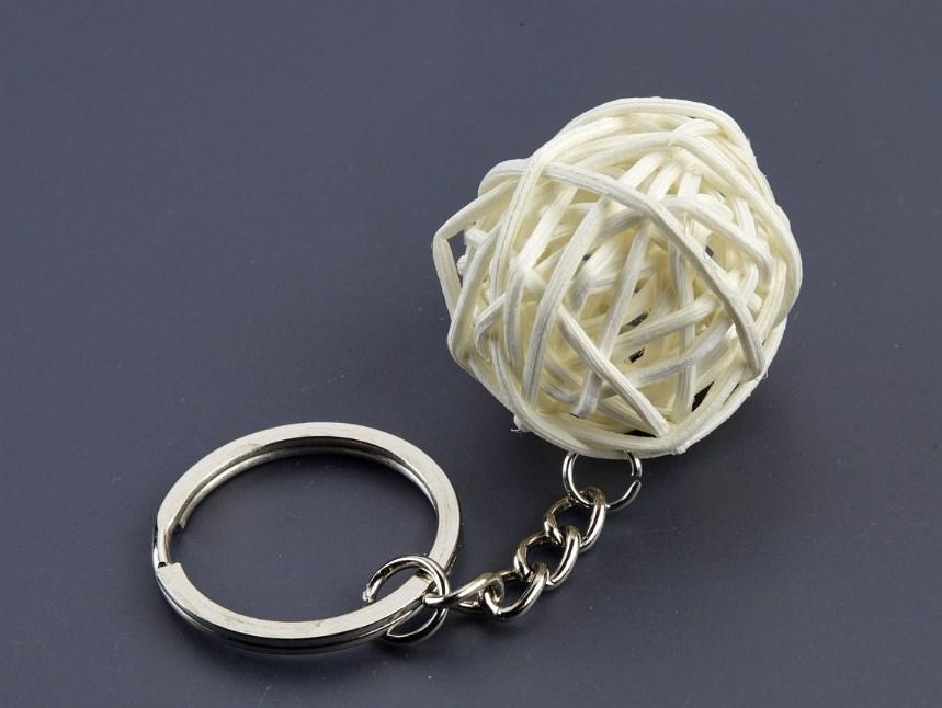 Μπρελόκ μπαμπού σε σχήμα μπάλας ΧΟΝΔΡΙΚΗ ΑΝΘΕΩΝ 4-6 ΑΝΩ ΠΑΤΗΣΙΑ-ΑΝΘΑΓΟΡΑ