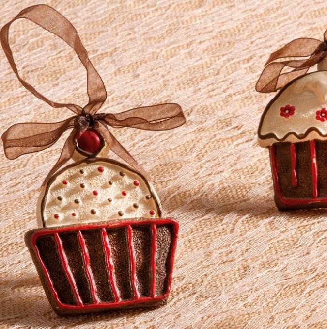 Πολυεστερικό διακοσμητικό κρεμαστό cupcake με κορδέλα