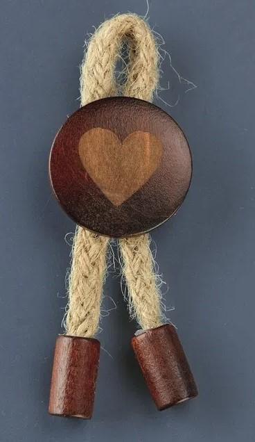Ξύλινη Κονκάρδα καρδια