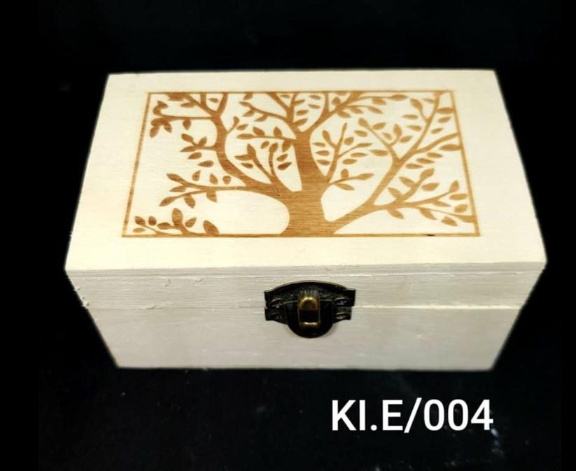 Ξύλινο αλουστράριστο παραλληλόγραμμο κουτί 10 x 6 x 5 cm